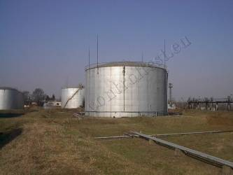 Tanks and pressure vessels